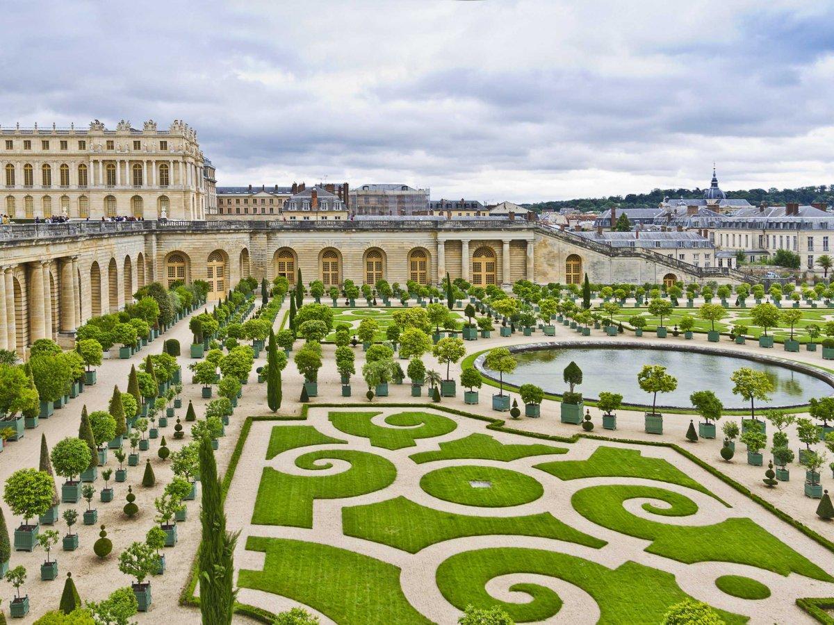 Get lost in the gardens of Versailles.
