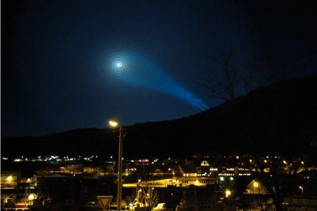 Xoắn ốc ánh sáng bí ẩn trên bầu trời Bắc Âu: Nhân tố bí ẩn nào đã tạo ra nó?